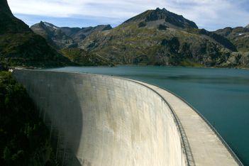 Une véritable prouesse architecturale perchée au coeur du Valais ! Réservation obligatoire.
