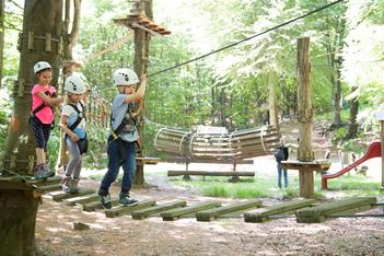 Accrobranche, luge d'été et loisirs en famille au Monte Tamaro