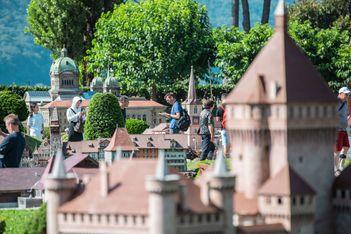 Passez de maxi vacances en famille dans le célèbre parc miniature et redécouvrez les plus beaux ouvrages architecturaux  de notre patrimoine !