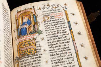 Plongez en famille au cœur du Moyen Âge grâce à la nouvelle expo de la Fondation Bodmer, consacrée aux plus beaux manuscrits de l'époque médiévale !