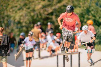 Le centre de sports d'action Alaïa Chalet invite petits et grands cascadeurs à des vacances d'octobre survitaminées au coeur du Valais.