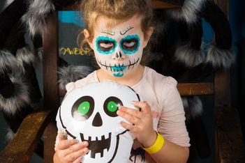 Un programme terriblement amusant attend vos bambins en prévision de la ténébreuse soirée d'Halloween.