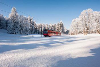 Balades hivernales à portée de train avec les Chemins de fer du Jura