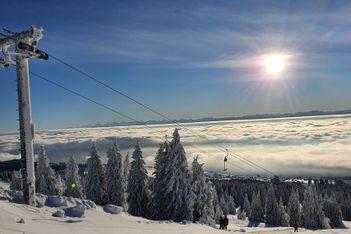 Glisser sur le domaine skiable du Balcon du Jura