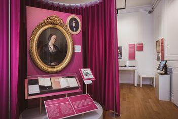Du 3 septembre 2021 au 1er mai 2022, exposition sur la place des femmes au Château de Morges