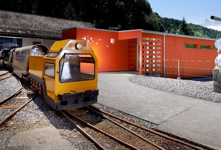 train_04.jpg