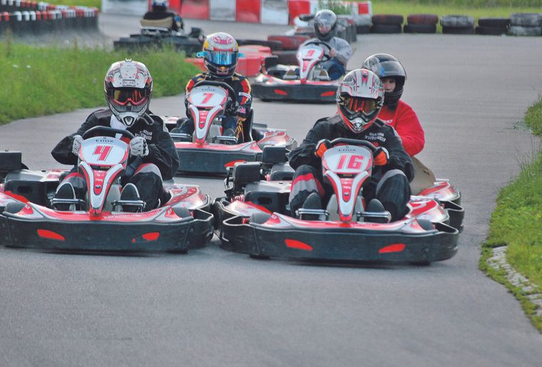 Karting de vuiteboeuf vaud vuiteboeuf activit for Karting interieur