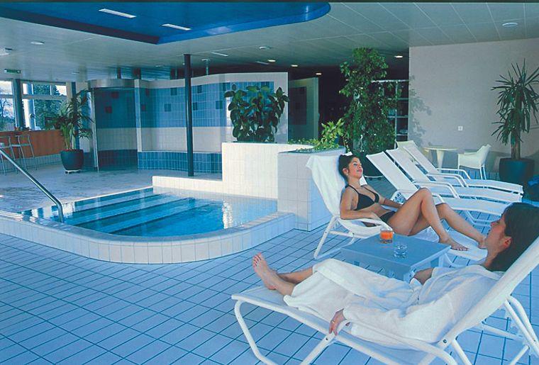 Centre thermal yverdon les bains vaud yverdon les for Salle de bain yverdon