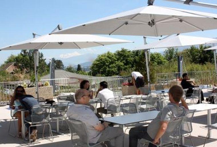 Terrasse restaurant retouchée web.jpg