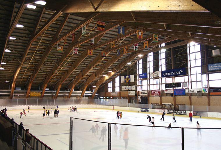 Centre de loisirs des franches montagnes jura for Patinoir exterieur