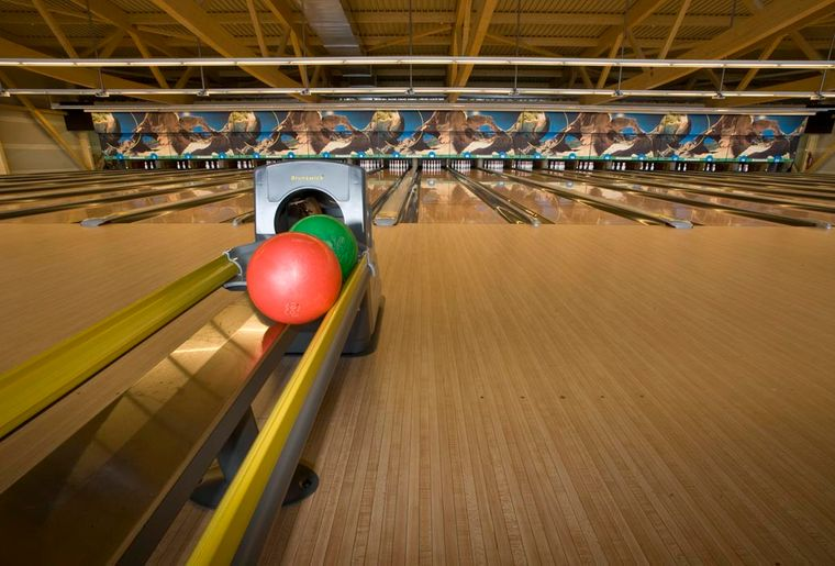 322_Funplanet Bulle_Bowling_2013.jpg