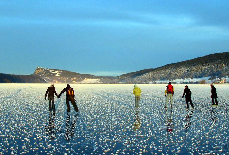lac-de-joux-gelé-patin-patinoire-naturelle.jpg