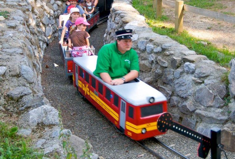 villars_gryon_parc_train_minigolf20-1.jpg