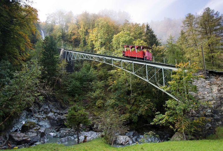 Reichenbachfall-Bahn (2).jpg