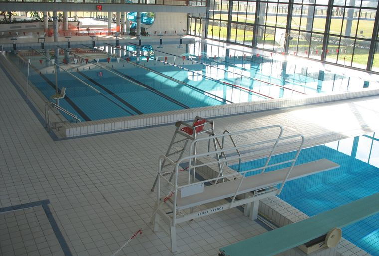 Piscine grisons aixen provence 33 for Piscine 33
