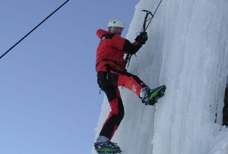 Escalade sur glace avec Adrenatur (Crans-Montana).JPG