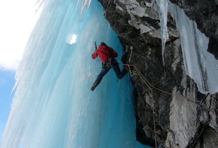 Cascade de glace 2_Hubert Caloz.jpg