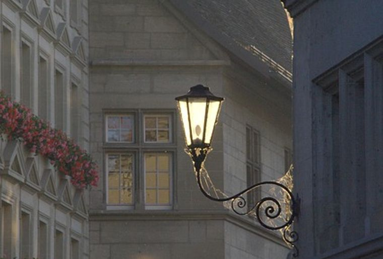 lantern-142375_640.jpg