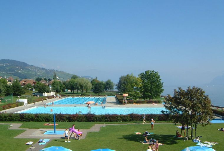 Top 20 des meilleures piscines en plein air de suisse for Allergie au chlore de la piscine