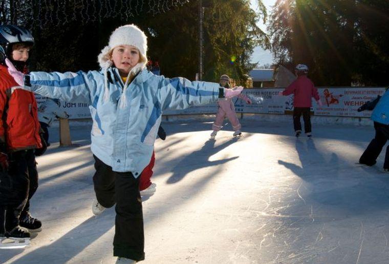 La patinoire en plein air de Gryon.jpg