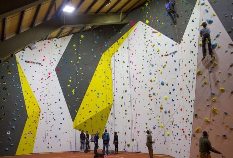 Salle d'escalalade de la Moubra à Crans-Montana.jpg