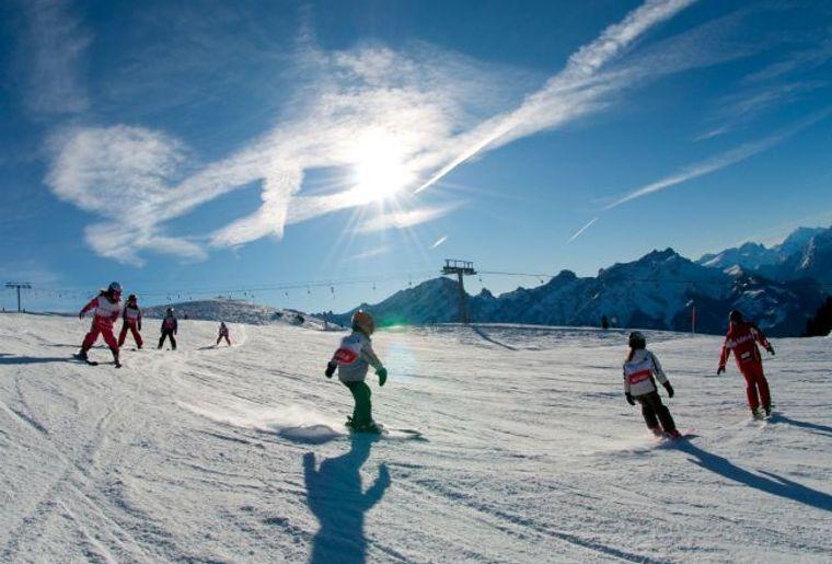 La station de Villars dispose de 125 km de pistes adaptés aux petits et grands skieurs..jpg