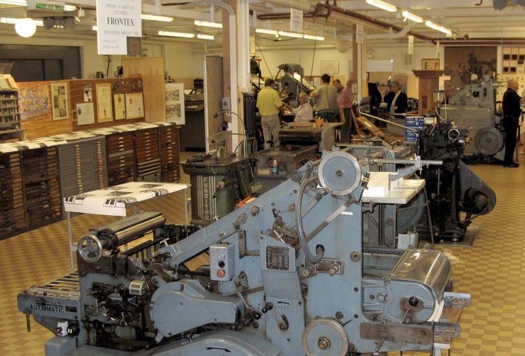 Une des presses à imprimer à cylindre.jpg