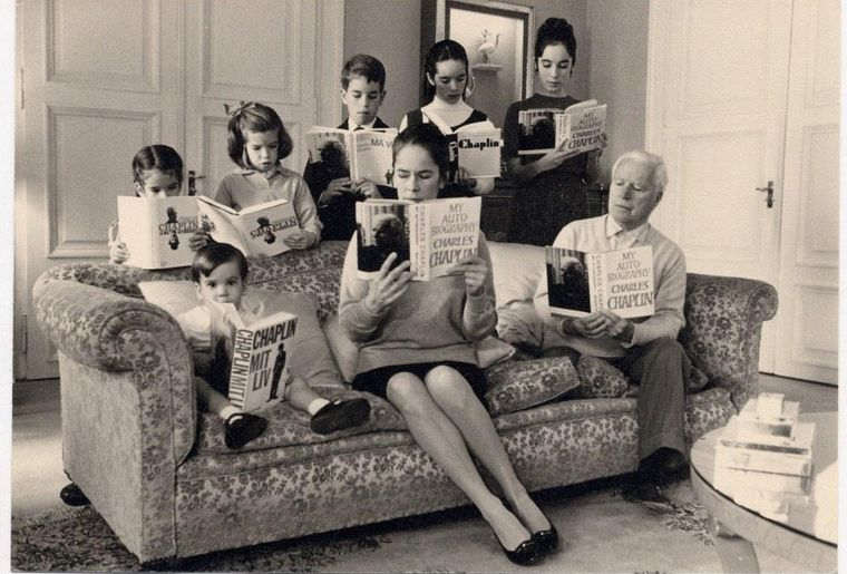 Chaplin_Family_Reading_My_Autobiography_©YvesDebraine_BD.jpg