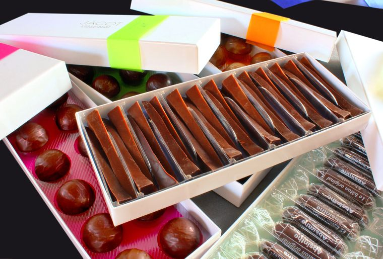 Jacot clous chocolat.jpg