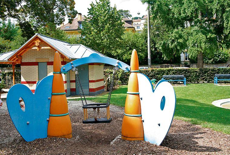 Le jardin anglais place de jeu for Jardin anglais neuchatel