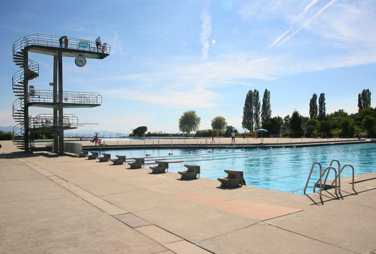 Best of des piscines ext rieures de suisse romande dossier for Bellerive lausanne piscine
