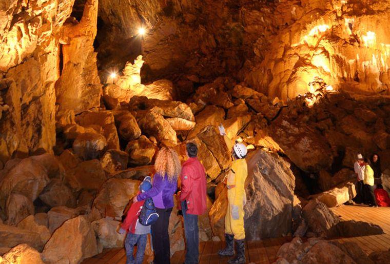 grottes-de-vallorbe.jpg