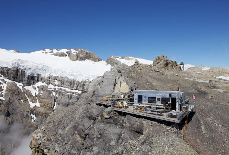 refuge-espace-glacier-3000-belle-terrasse.jpg