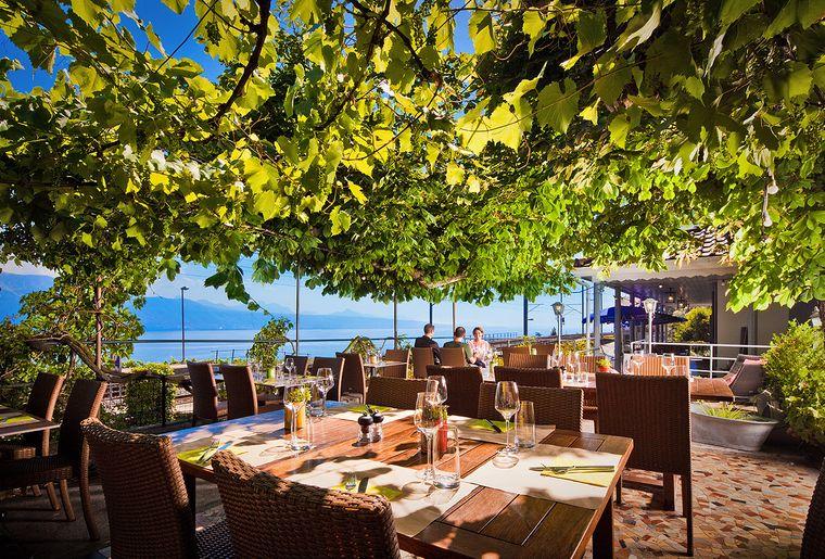 auberge-de-la-gare-grandvaux-lavaux-restaurant-terrasse-belle.jpg