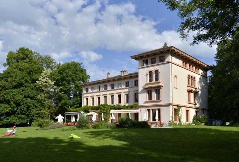 castel-bois-genoud-crissier-restaurant-terrasse.JPG