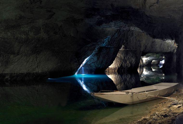 Lac souterrain de Saint-Léonard (VS).jpg