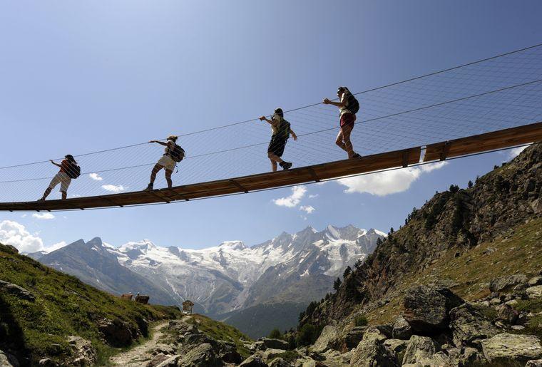 Randonnée dans la vallée de Saas (VS) - Valais Tourisme.jpg