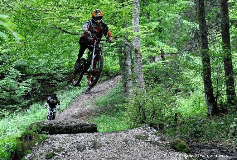 Robella_downhill.jpg