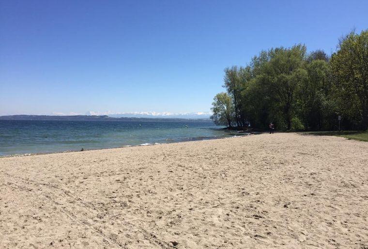 Plage de Colombier, lac de Neuchâtel.jpg