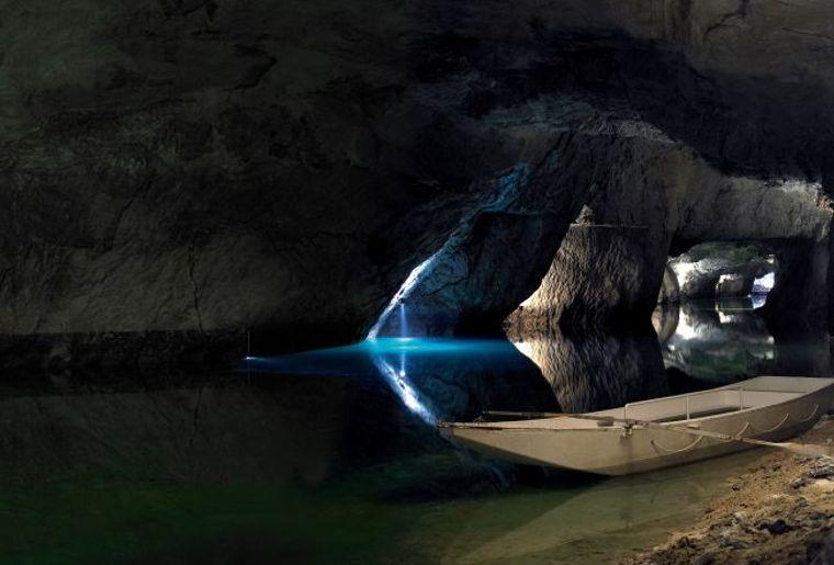 Lac souterrain de Saint-Léonard.jpg