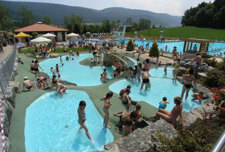 Best of des piscines ext rieures de suisse romande dossier for Piscine en suisse
