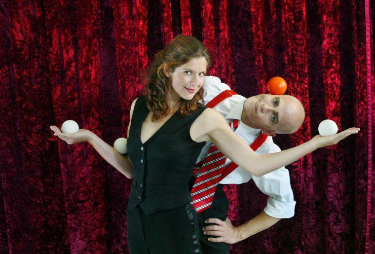 Comixnix-Sibylle-Nicolas-Comedy-Artistik-Show-entertainement-jonglage-slapstick.jpg