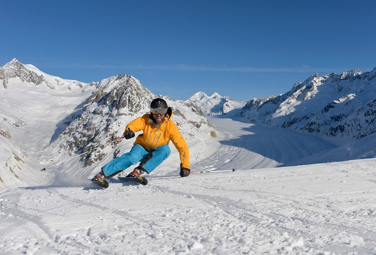 skifahren-am-aletschgletscher_24473935240_o.jpg