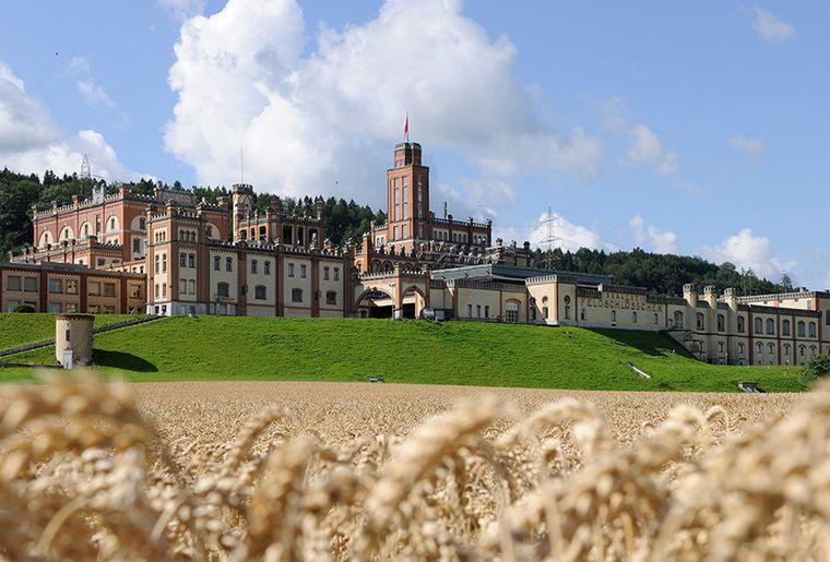 Feldschlösschen Schloss_0_0.jpg
