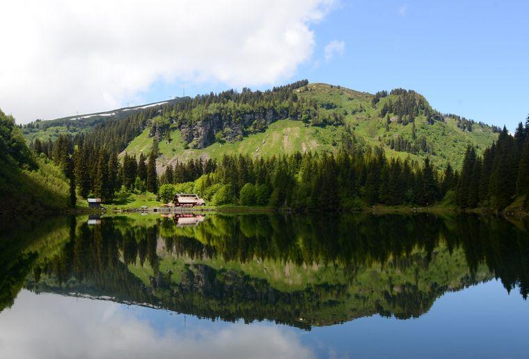 Lac des Chavonnes _ Gabriel Garcia Marengo.jpg