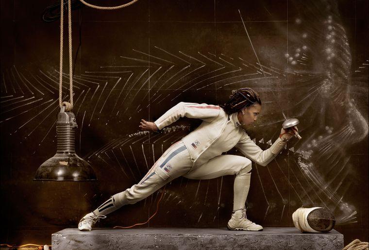 Escrimeuse © Gerard Rancinan (French, born 1953). Laura Flessel, 2001. Exposition Who Shot Sports Une histoire photographique de 1843 à nos jours, o.jpg