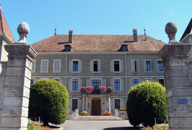 Dardagny_chateau © Romano1246.jpg