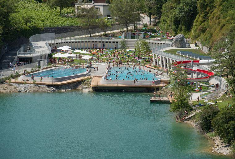 Piscine du lac de g ronde valais sierre activit for Piscine du lac