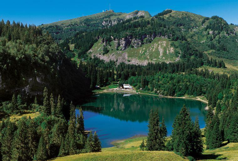 Lac des Chavonnes @ Sébastien Staub.JPEG