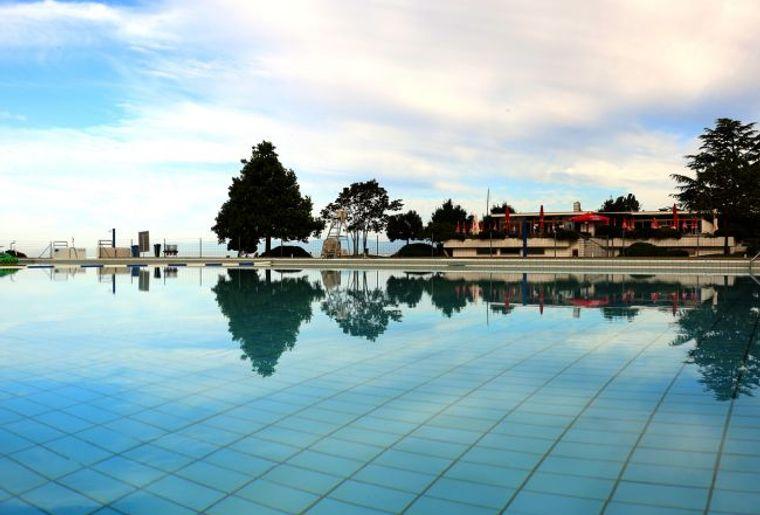 pully-plage-piscine.jpg